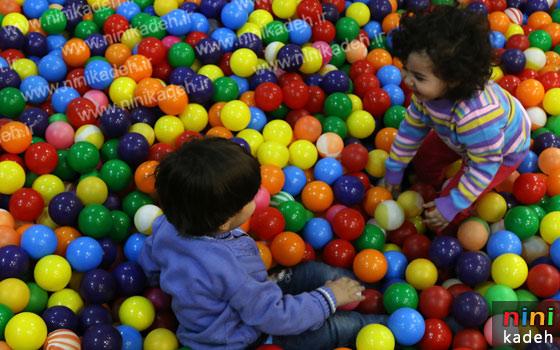 استخر توپ بازی کودکان